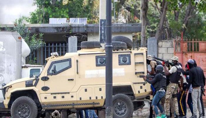 Resultado de imagen de HAITI: 2 muertos, 9 heridos durante asalto de policías a cuartel Ejército